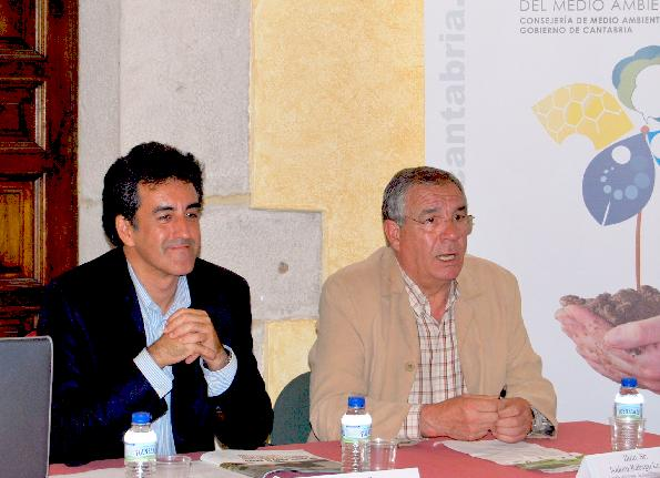 El Palacio de Peredo en Viveda acogió una reunión de participación ciudadana