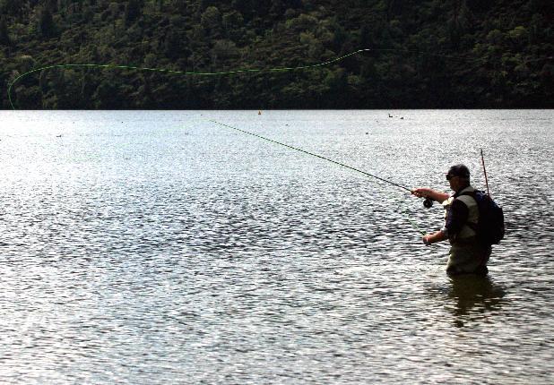 Según el PP, se han suprimido zonas libres y recortado cupos de pesca