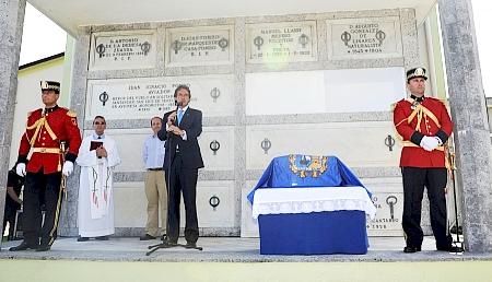 Se trasladan los restos de Sixto Córdova al panteón de personas ilustres
