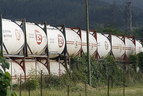 Una empresa privada también almacena cisternas, en terrenos alquilados por ADIF