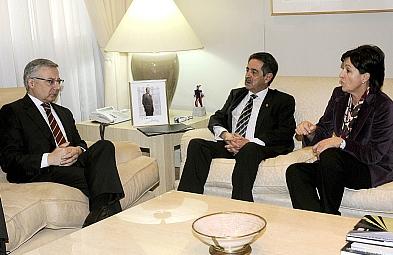 Imagen de una reunión reciente de Revilla, Gorostiaga y Blanco en la sede del Ministerio de Fomento (Foto: Archivo/Gabinete de Prensa gobierno de Cantabria)