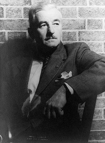 William Faulkner, fotografiado por Carl Van Vechten