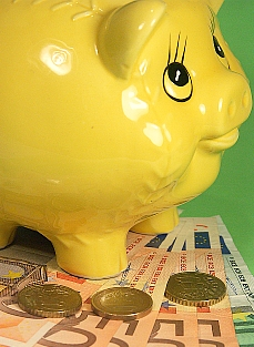 El dinero cada vez da para menos / Foto: Lofik/PhotoXpress.com