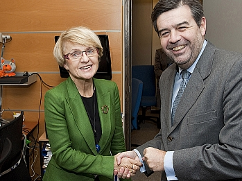 El consejero de Economía y la presidenta de la Comisión de Desarrollo Regional del Parlamento Europeo