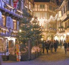 La iluminación navideña ahorrará un 70 por ciento de consumo de energía gracias a la tecnología 'Led'/Foto: silonos/PhotoXpress.com