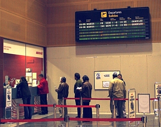 En la imagen, tomada durante la tarde del sábado 4 de diciembre, el Aeropuerto de Parayas (Santander), registró vuelos cancelados