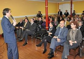 El alcalde presenta el proyecto de VPO a los vecinos
