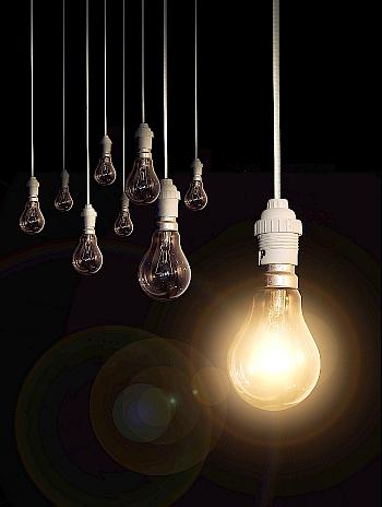 El recibo de la luz, más caro a partir de enero / Foto: Firas Jemai-PhotoXpress.com