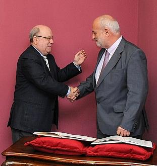 Sota preside la toma de posesión del nuevo presidente del CES