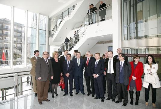 Revilla inaugura el Palacio de Justicia de Torrelavega con un recuerdo a las víctimas del 11-M en el aniversario del atentado