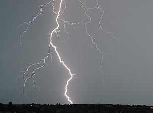 Existe riesgo de tormentas e inundaciones, se recomienda prudencia
