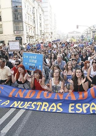 Miles de indignados salieron a la calle en Santander el 19J