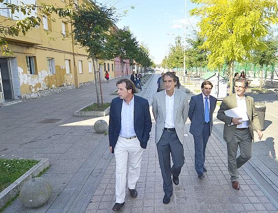 El alcalde visita el Barrio Pesquero (archivo)