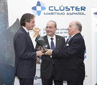 Santander recibe un premio por la reordenación del frente marítimo e impulsar la náutica deportiva en la ciudad