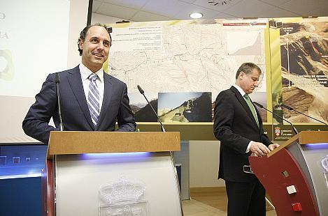 Diego presenta el proyecto de un teleférico / Foto: Gob. Cantabria