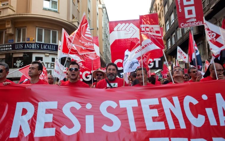 """CC OO acusa a Fomento de """"marginar"""" y """"aislar"""" a Cantabria tras los recortes anunciados en FEVE"""