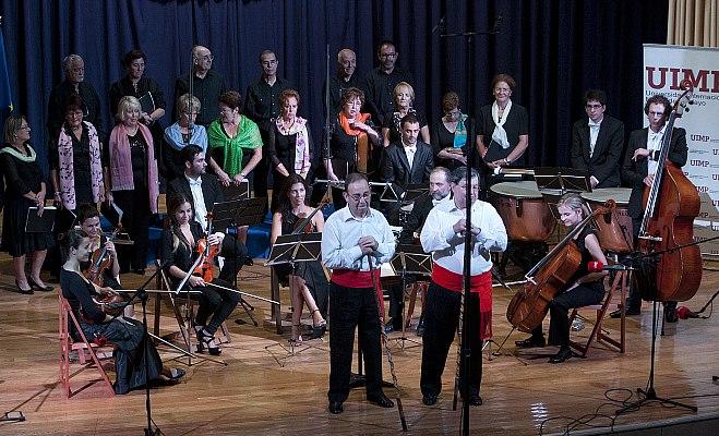 Trescientas personas asisten a la VI Muestra de Música Popular de Cantabria en el Paraninfo de La Magdalena