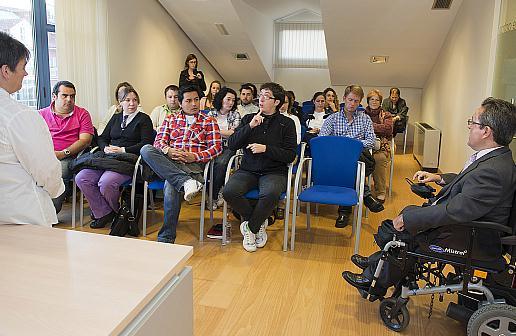 Puesto en marcha un curso básico sobre la lengua de signos