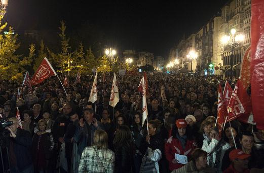 Más de 30.000 personas secundan una multitudinaria manifestación en Santander / Foto: JOAQUÍN GÓMEZ SASTRE