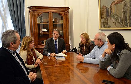El ayuntamiento colaborará con la Asociación de la Prensa en la celebración de su centenario en 2014