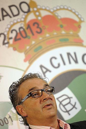 En la imagen Ángel Lavín, que dice ser presidente del Racing de Santander / PEDRO PUENTE