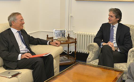 De la Serna se reúne con el presidente de E.On