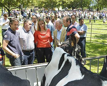 El alcalde reivindica la contribución de la ganadería al desarrollo de Santander y Cantabria