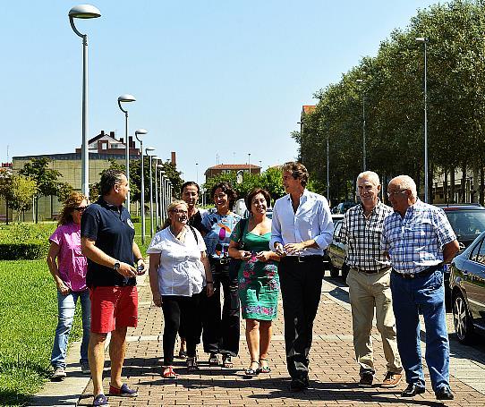 El ayuntamiento comienza a cambiar las luminarias de El Alisal