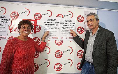 UGT y CCOO inician en Torrelavega y Camargo una ronda de movilizaciones en respuesta al declive económico y del empleo
