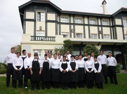 Las Carolinas recibió el premio como mejor escuela de hostelería de España