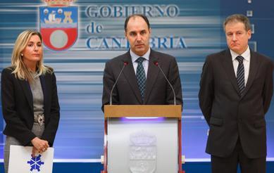 Gema Díaz, Ignacio Diego y Eduardo Arasti / Foto: Gob. Cantabria