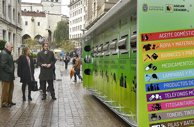 Santander cuadriplica el número de puntos limpios móviles que darán servicio en la ciudad