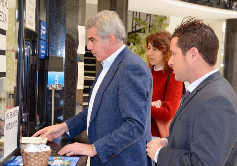 El PRC registra 1.270 firmas de vecinos a favor de la construcción de escaleras o rampas mecánicas en Vista Alegre