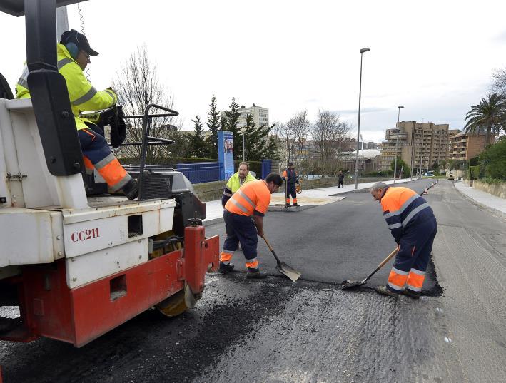 Comienza el asfaltado ecológico de la avenida del faro