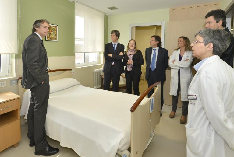 De la Serna visita las obras de mejora del centro hospitalario Padre Menni