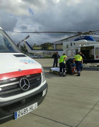 El helicóptero del Gobierno y el GREIM rescatan a una montañera en sendero de salida de la Vía Ferrata