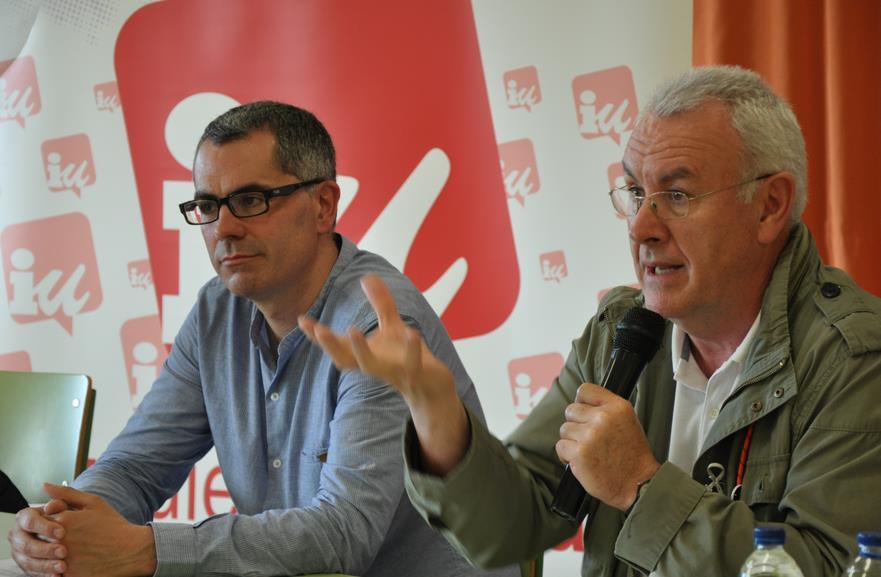 Miguel Saro (izquierda) y Cayo Lara (derecha)