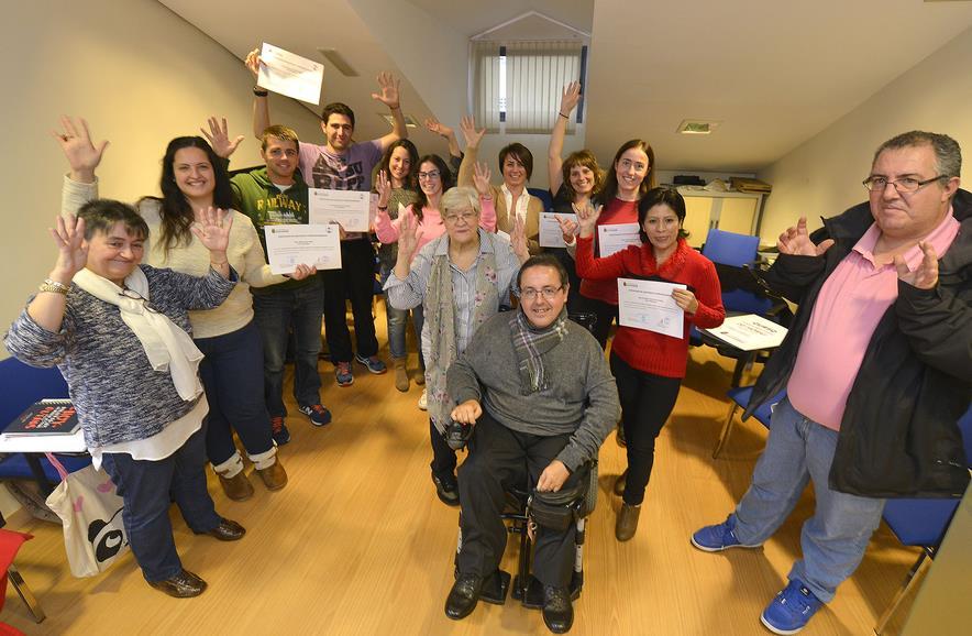 Trabajadores municipales reciben formación en el lenguaje de signos