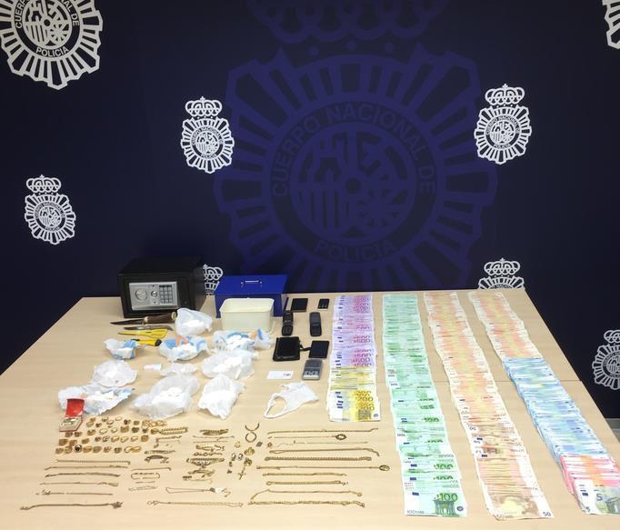 Detenidos por tráfico de cocaína y con 110.000 euros en efectivo