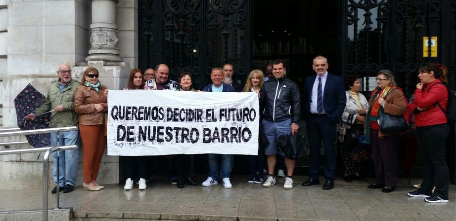 Vecinos de Antonio Cabezón y Francisco Giner de quejan del trato recibido por parte de dos concejales del PP
