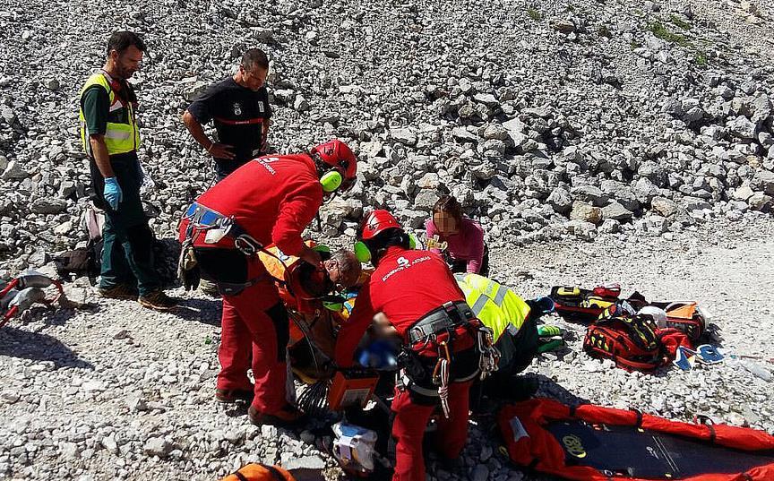 Rescatada una mujer en estado muy grave en Picos de Europa