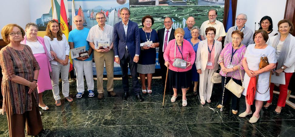 El Alcalde entrega los premios del concurso 'El valor de lo vivido'