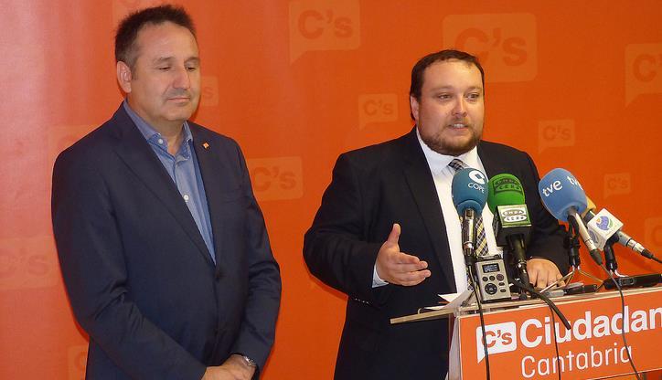 Ciudadanos no ve motivos para inyectar 18 millones de euros en Ecomosa-Nestor Martin / Juan Ramón Carrancio (izquierda) y Rubén Gómez (derecha)