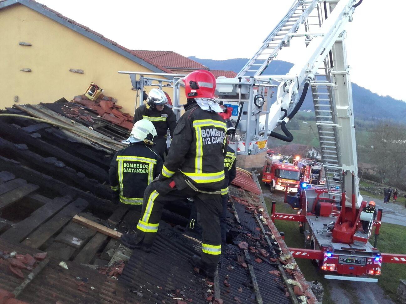 Extinguido un incendio en el convento del monasterio de La Canal de Vega