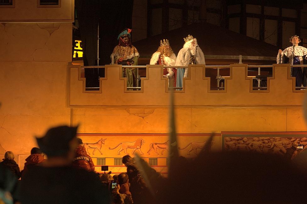 El 112 solicita prudencia en las cabalgatas de Reyes / Los Reyes Magos en el Castillo de Herodes - Archivo CANTABRIA DIARIO