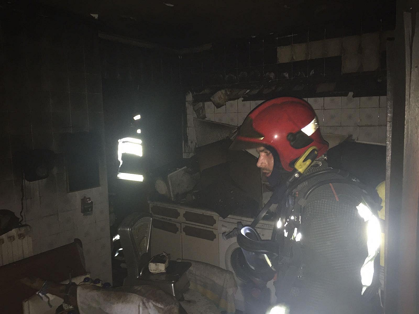 Un incendio en una vivienda de Reinosa obligó a desalojar un edificio de cinco plantas