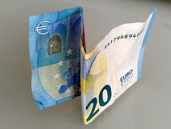 El supremo obliga a devolver todo el dinero de una for Recuperar dinero clausula suelo