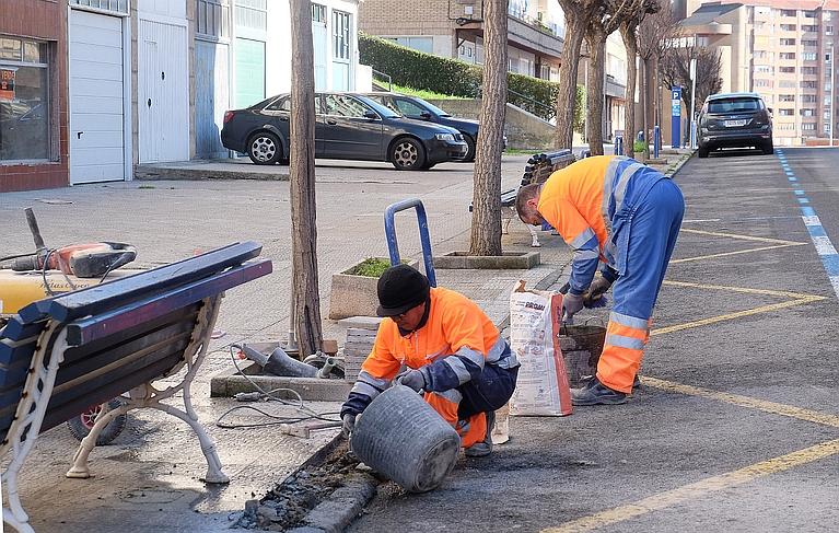 El Ayuntamiento llevará a cabo pequeñas actuaciones en el entorno de la calle del Monte y Pérez del Molino