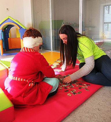 Valdecilla y Buscando Sonrisas celebran el Día Nacional del Niño Hospitalizado con diversas actividades