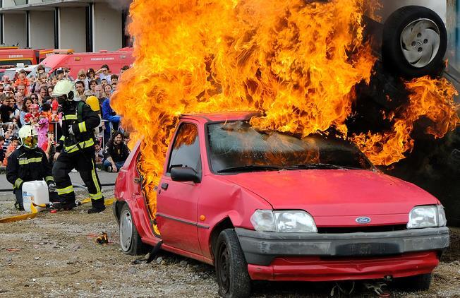 Los bomberos de Santander muestran su trabajo a cientos de personas